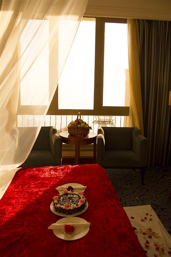 Honey Moon Suite - Ramada Al Hada Hotel and Suites - Taif