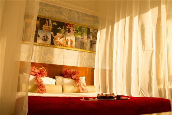 Honey Moon Suite - Ramada Al Hada Hotel and Suites - Taif, Saudi Arabia